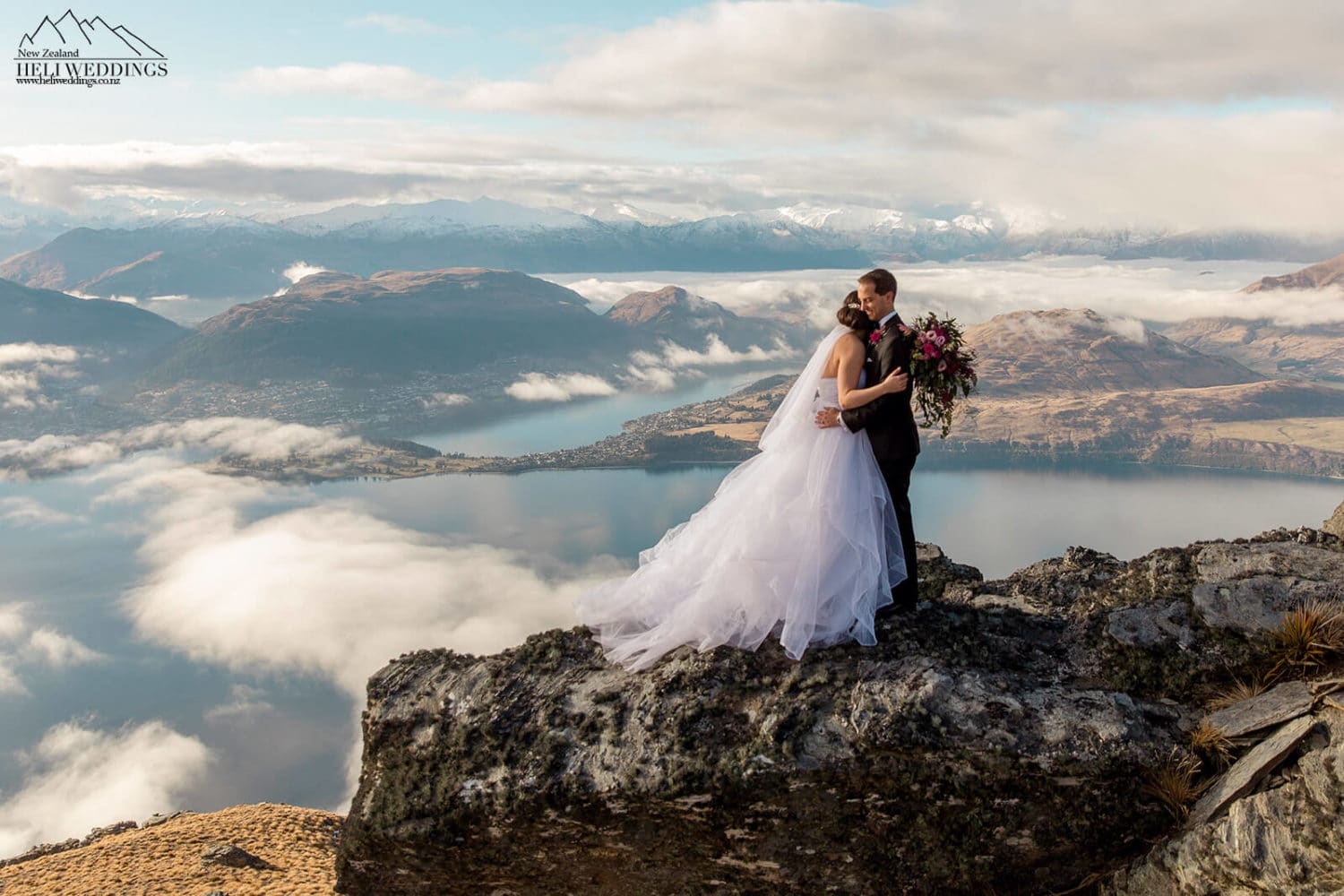 The Ridge,Beautiful mountain Wedding in New Zealand, destination elopement wedding