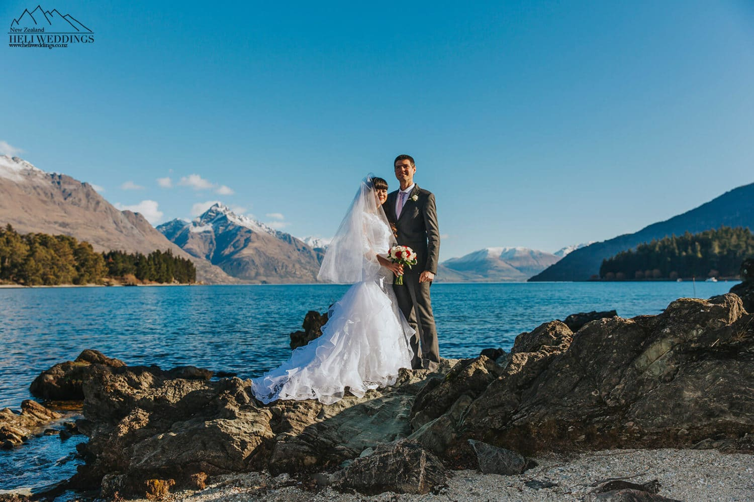 Wedding photography by the lake in Queenstown