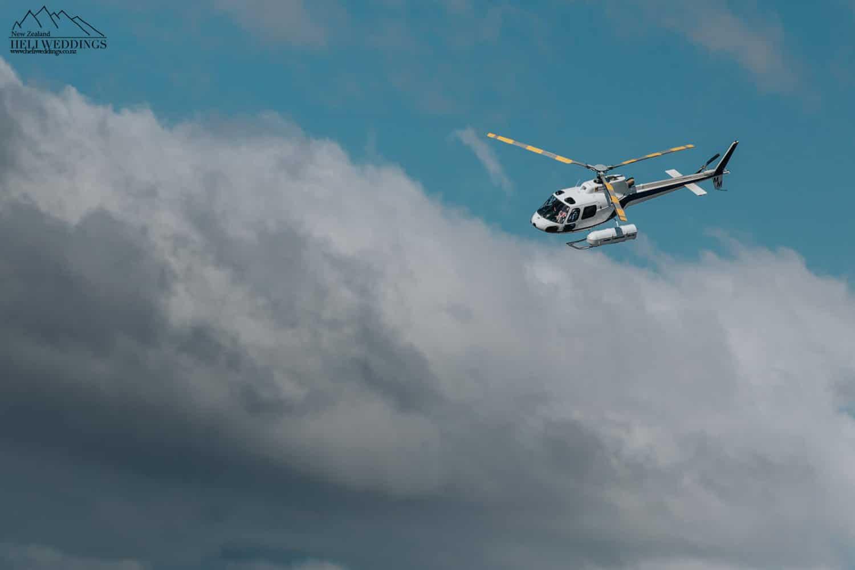 Aspiring helicopters arriving to Coromandel Peak