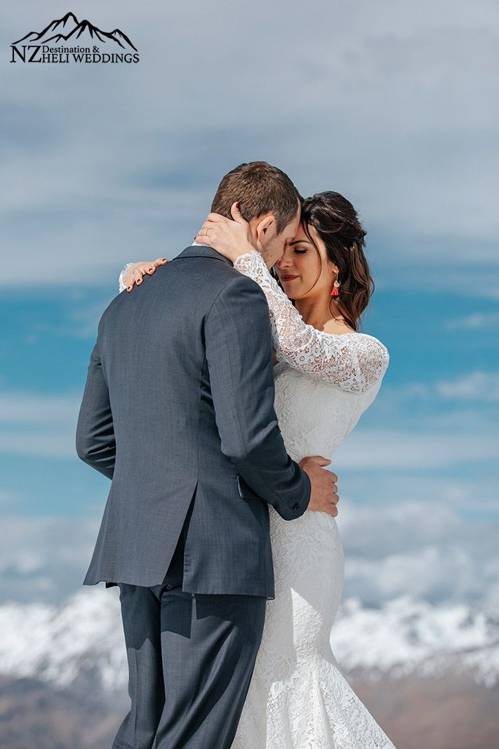 Spring elopement in the snow Queenstown