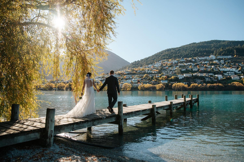 Autumn sunset wedding bythe lake in Queenstown