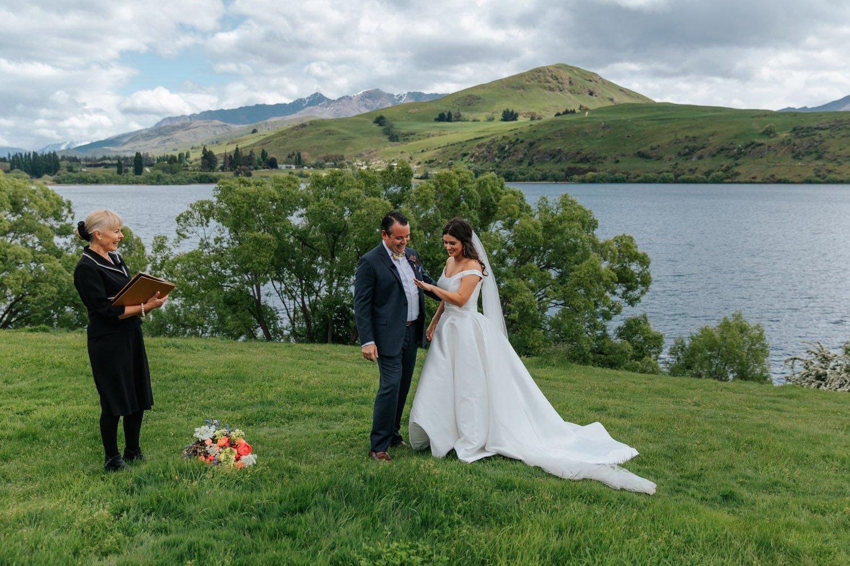 Spring Wedding at Lake Hayes Queenstown